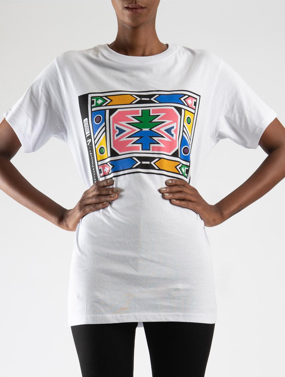 Esther Mahlangu t-shirt – Front B