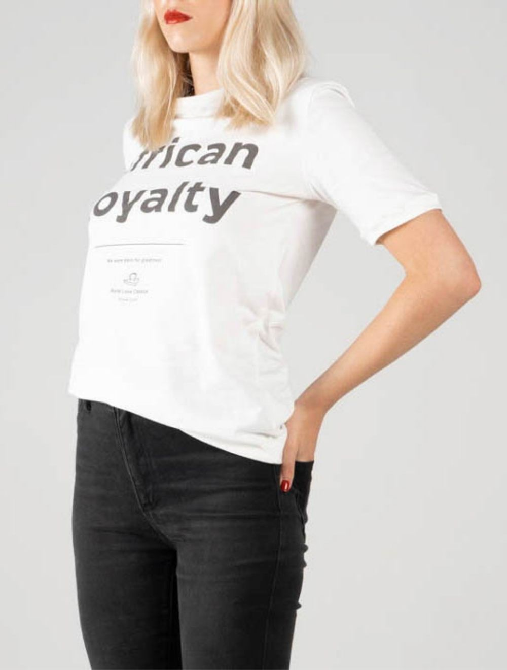 AFRICAN ROYALTY (White) – SIDE